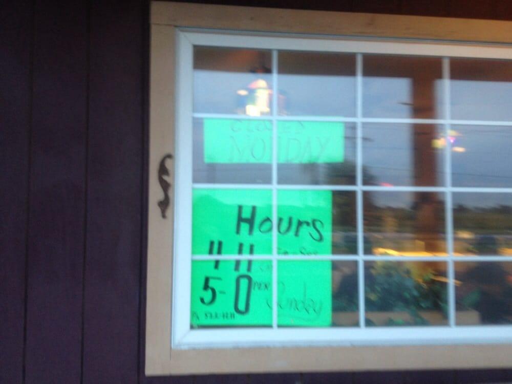 Noah's Donut & Coffee Shop: 868 E Grand Ave, Haysville, KS
