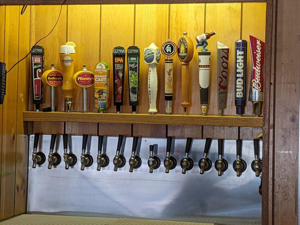 7th Street Pub: 631 N Broadway, Everett, WA