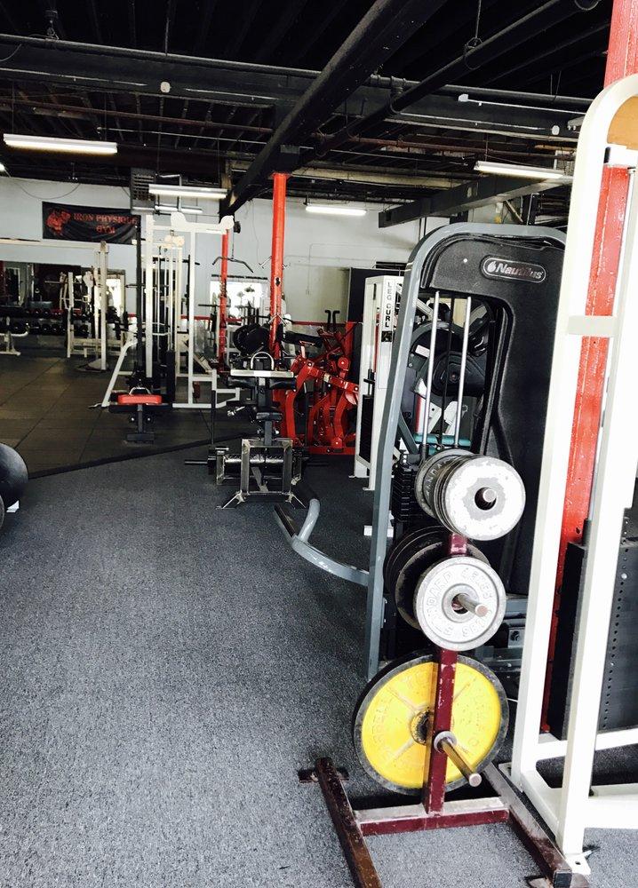 Iron Physique Gym: 605 Gillette St, La Crosse, WI