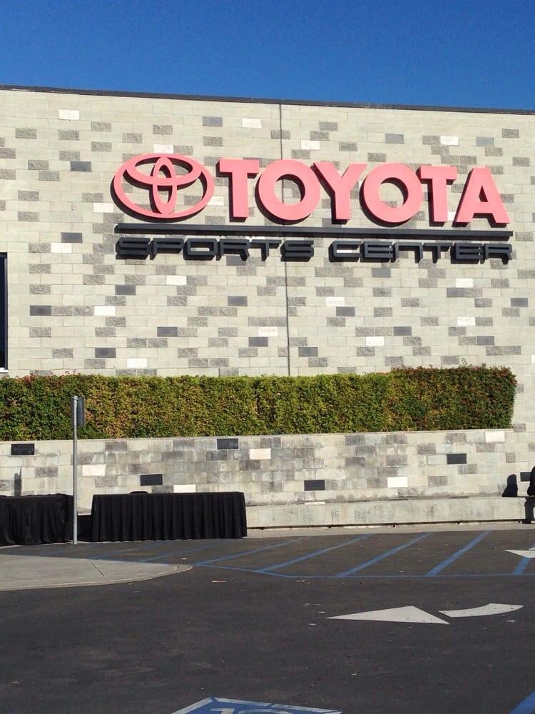Restaurants Near Toyota Center El Segundo