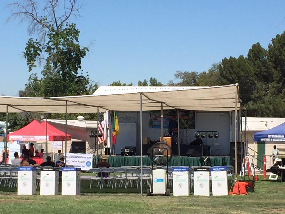 Northridge Park: 18300 Lemarsh St, Northridge, CA