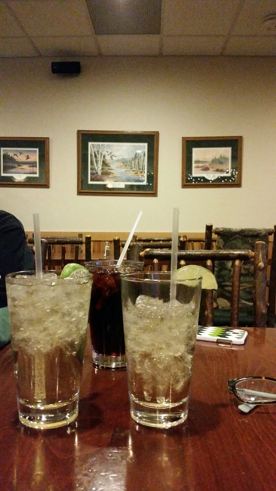 Wintergreens Golf & Grill: 306 Credit Union Dr, Isanti, MN