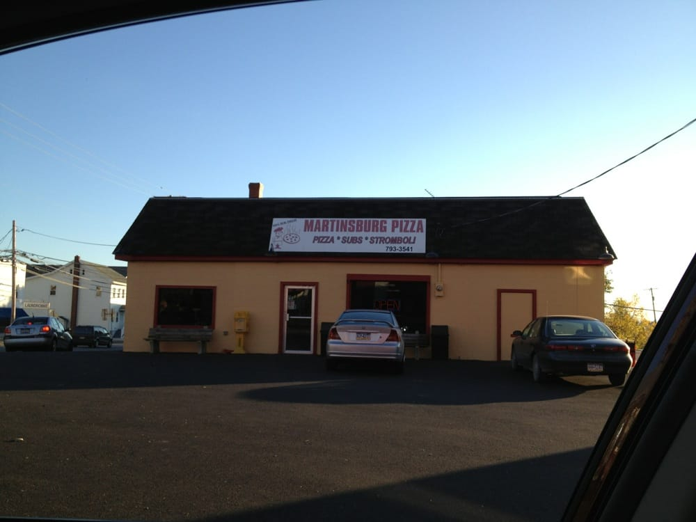 Martinsburg Pizza: 101 W Allegheny St, Martinsburg, PA