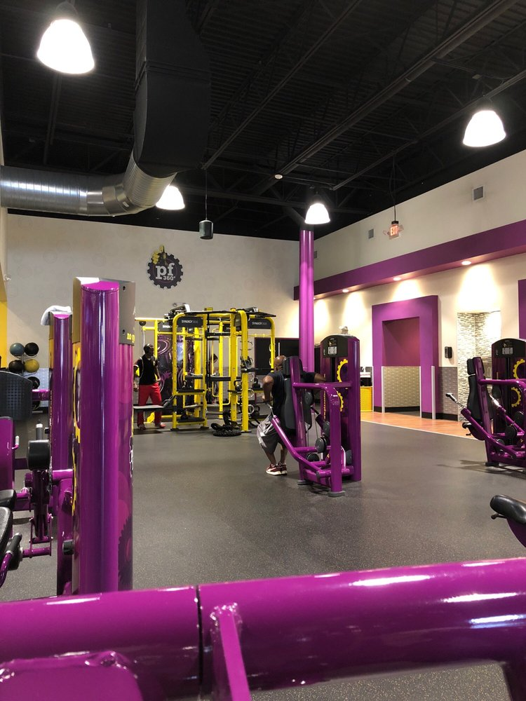 Planet fitness aurora photos reviews gyms e