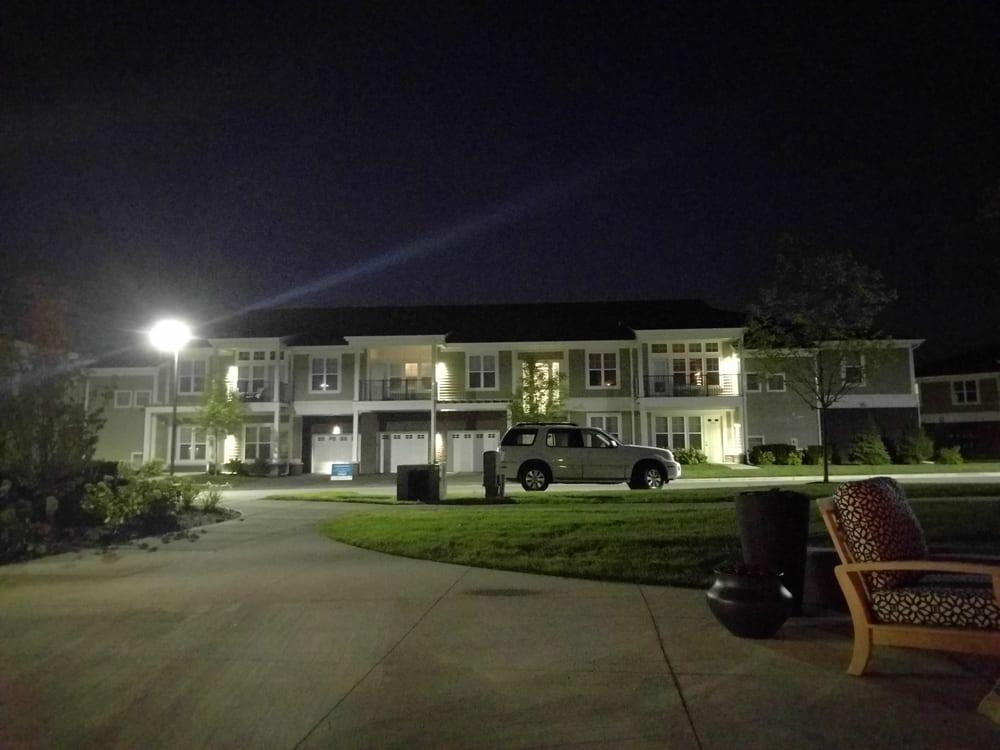 Oakcliff Apartments: 2225 Traverwood Dr, Ann Arbor, MI