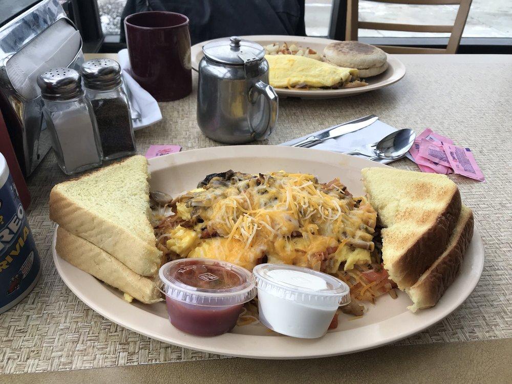 Sheila Mae's Town Fryer: 116 N Main St, Burlington, WI