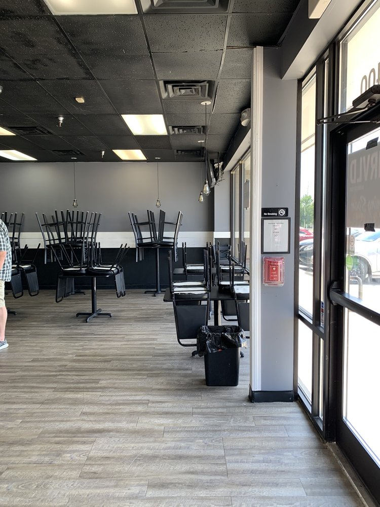 Unrvld Barbecue Bar: 3701 Ep True Pkwy, West Des Moines, IA