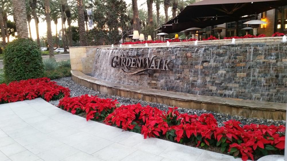 Restaurants In Garden Walk Anaheim: Water Fountain