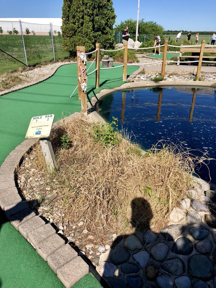 Perry Falls Mini-Golf: 24750 N Dixie Hwy, Perrysburg, OH