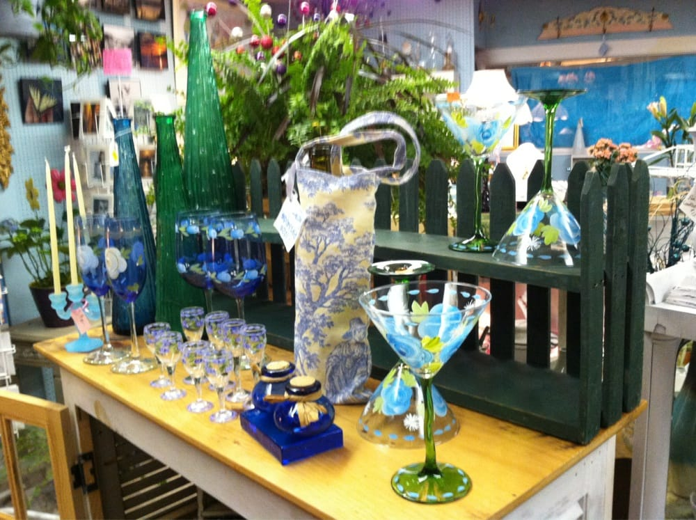 Gifts On The Go: 140 Main St, Buzzards Bay, MA