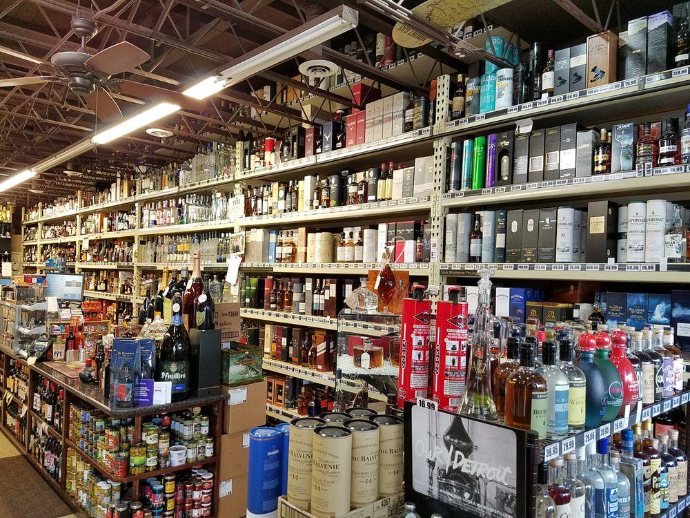 Hills Fine Wine & Spirits: 41 W Long Lake Rd, Bloomfield Hills, MI