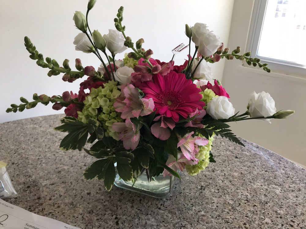Rain Florist: 139 N Dorset Ave, Ventnor City, NJ