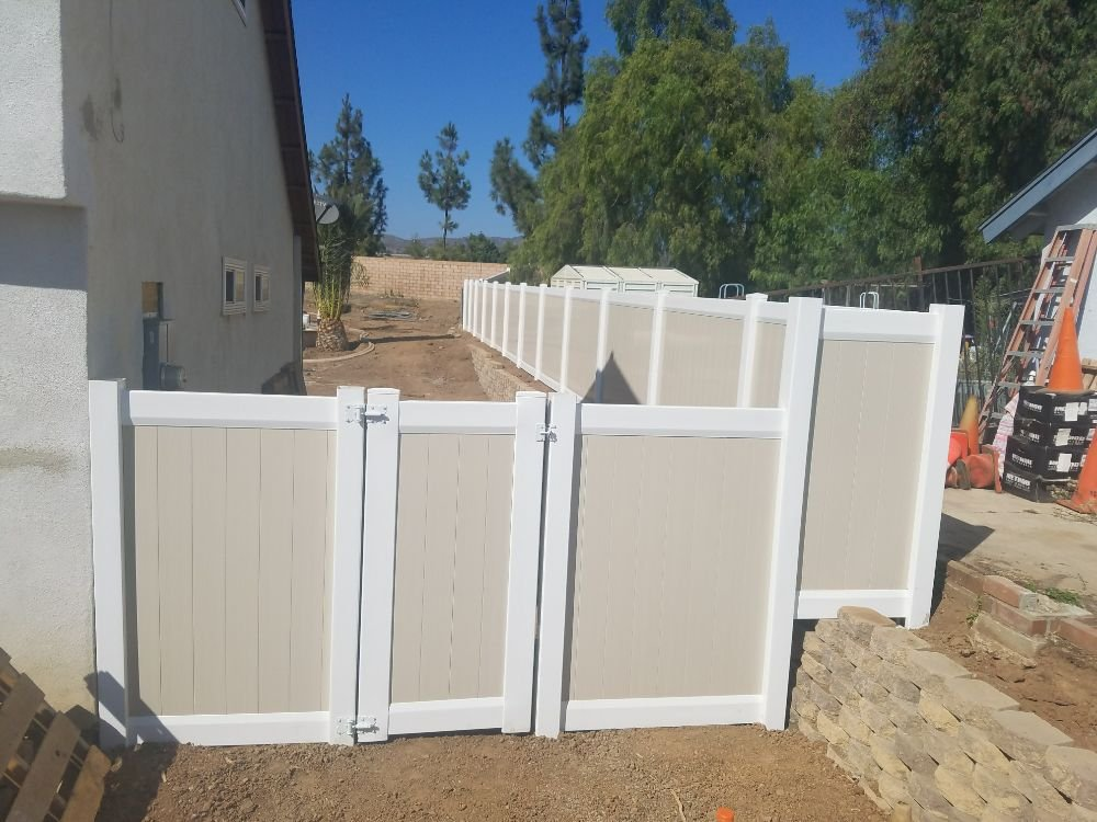 Pioneer Fences: 1055 E 6th St, Beaumont, CA