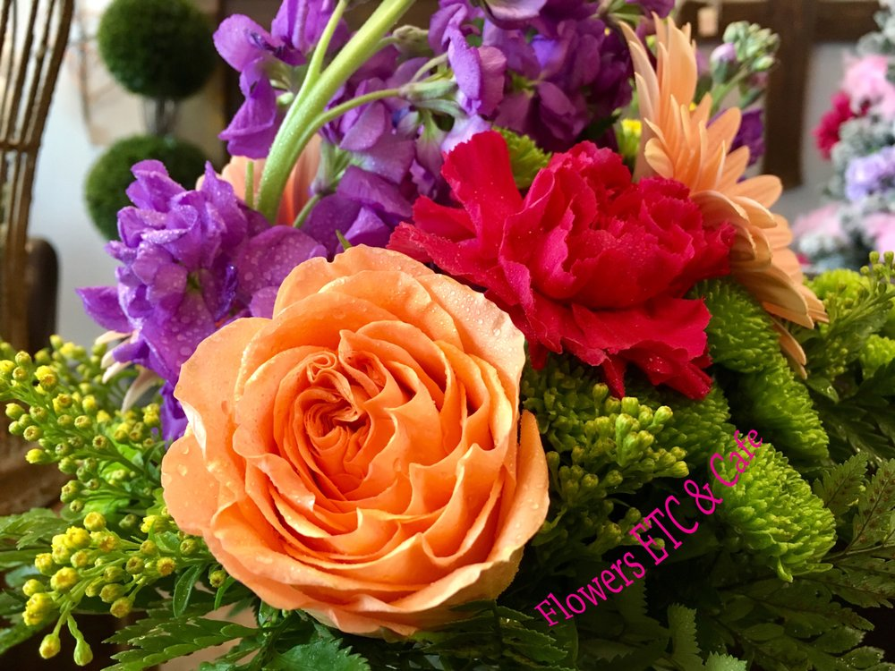 Flowers Etc & Cafe': 2101 US Hwy 98, Daphne, AL