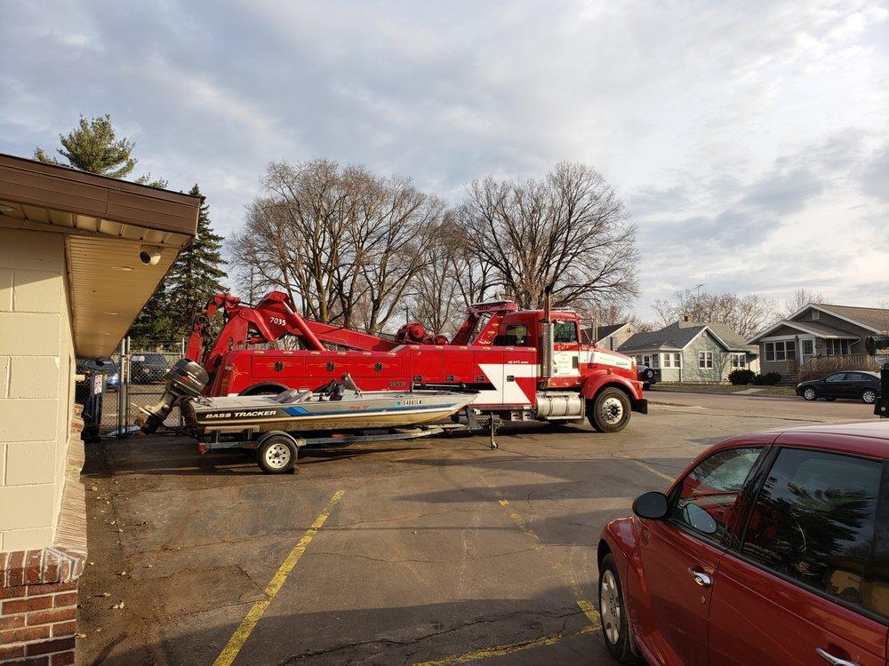 Del's Auto Repair: 221 Main St, Onalaska, WI