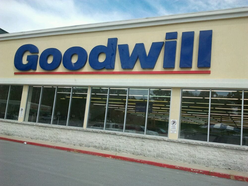 goodwill industries 2 essay I stopped there and spent approximately 2 hours picking out pants,  a planter from the dollar tree that's $100 would not costs $225 in goodwill helpful.