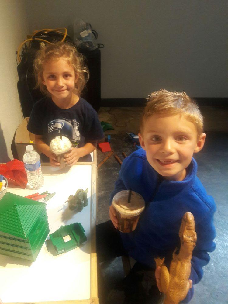 Tinderbox Coffee Roasters: 113 E Wishkah St, Aberdeen, WA