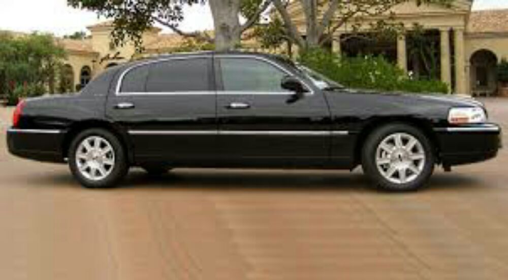 AJ's Best Stretch Limousine: 8415 Mills Civic Pkwy, West Des Moines, IA