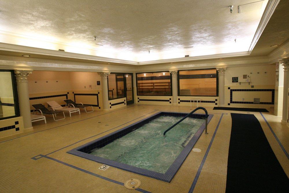 The capital athletic club 19 photos 71 avis piscines for Club piscine st jerome telephone