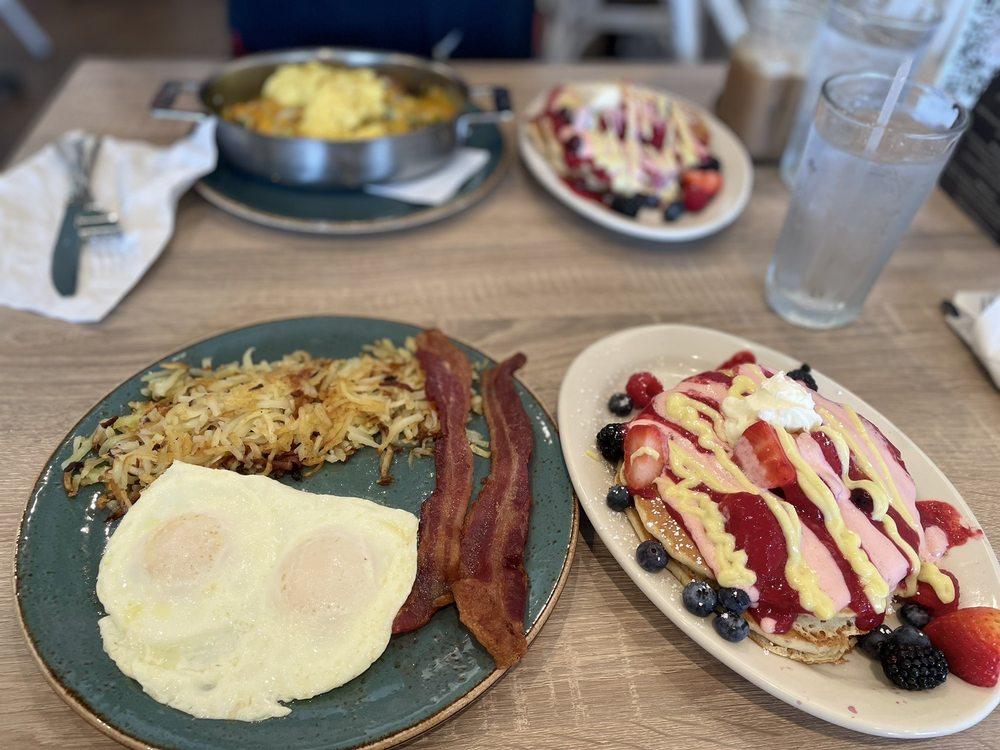 Honey Berry Cafe: 4520 Frankford Rd, Dallas, TX