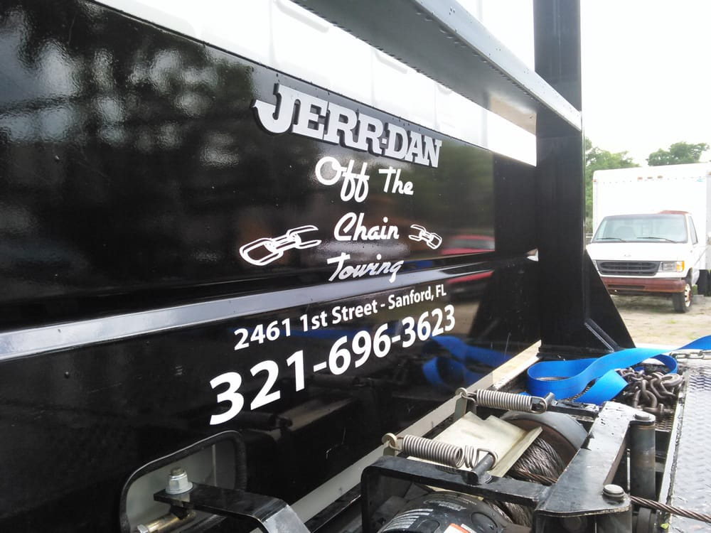 Towing business in Sanford, FL