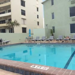 Photo Of Atlantic Ocean Palm Inn Daytona Beach Fl United States Poolside