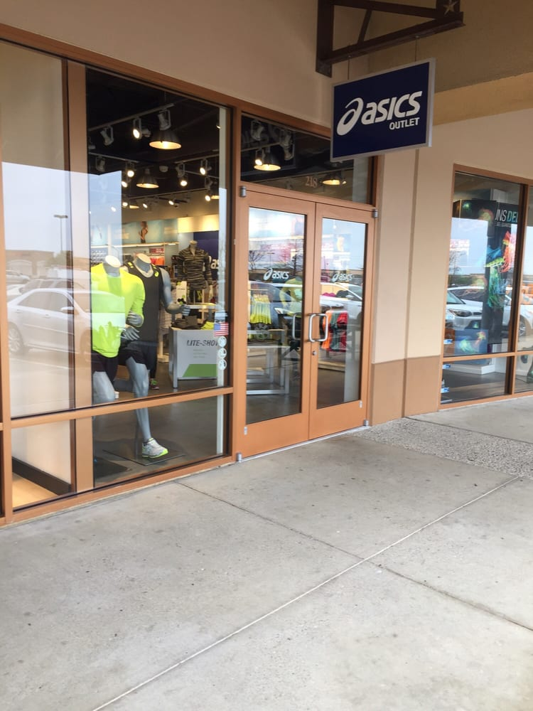 ASICS Outlet: 820 W Stacy Rd, Allen, TX