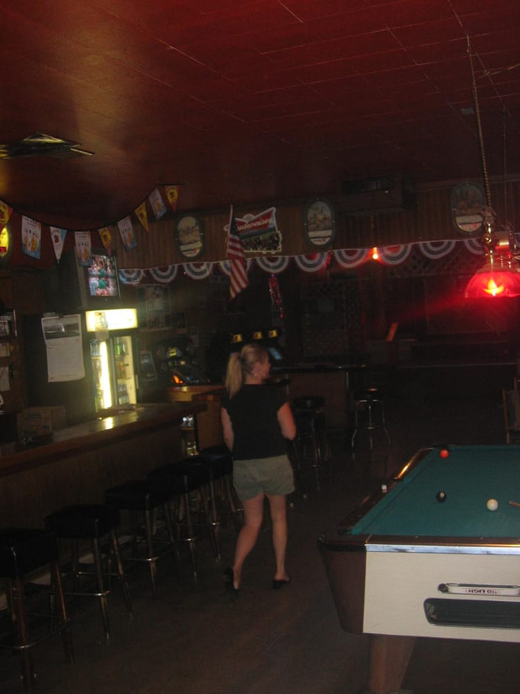Gem State Bar and Grill: 807 Main Ave, St. Maries, ID