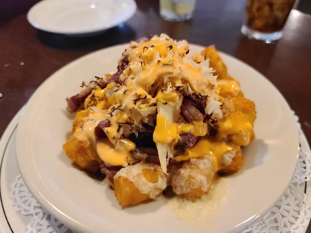 Molly's Restaurant: 12503 Augustine Herman Hwy, Kennedyville, MD