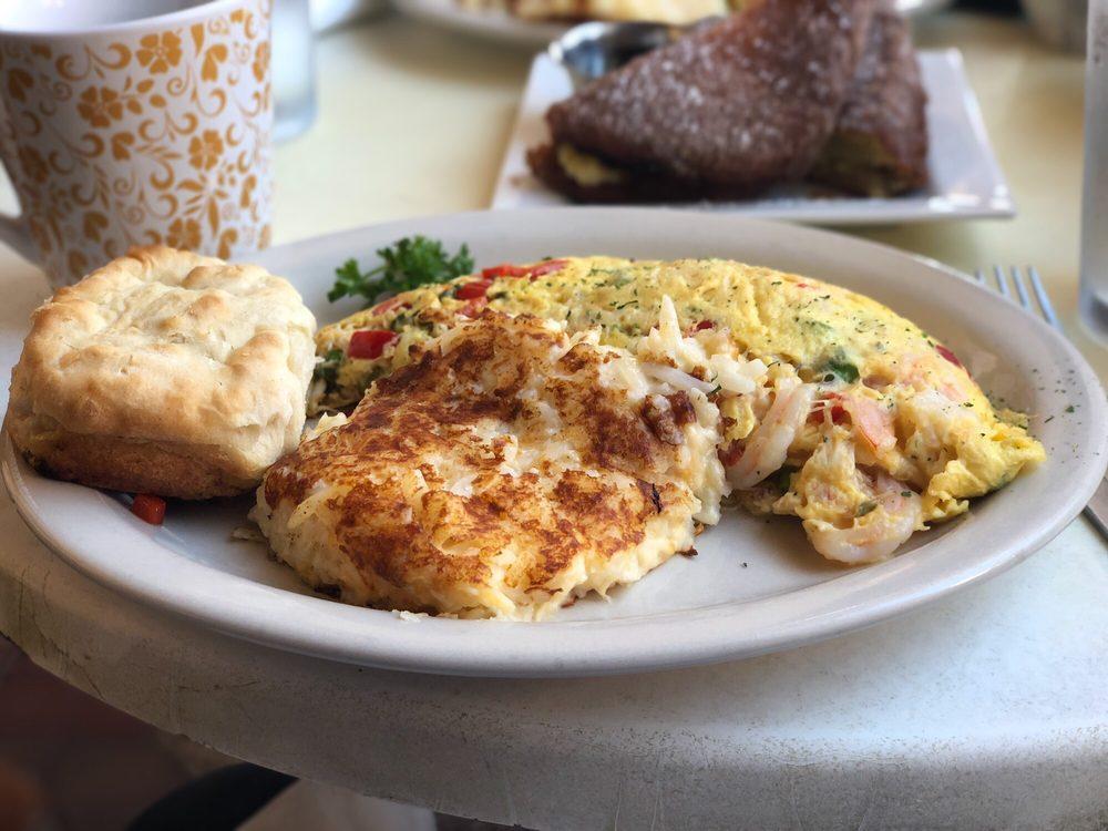 EJ's Bayfront Cafe: 469 Bayfront Pl, Naples, FL