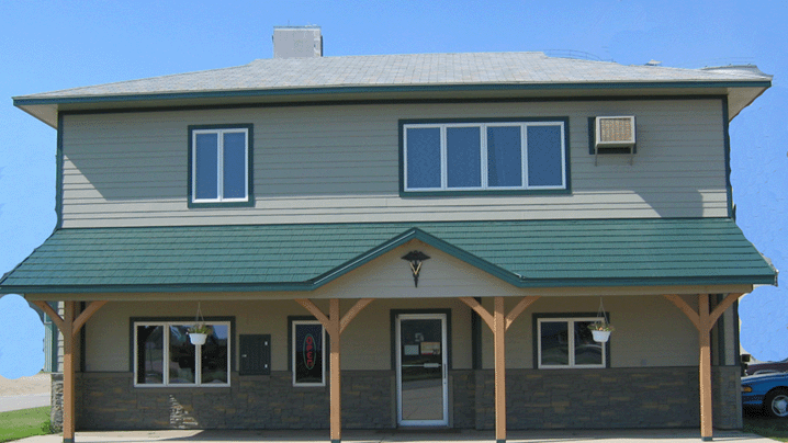 Prairie Hills Pet Clinic: 517 4th Ave W, Milbank, SD