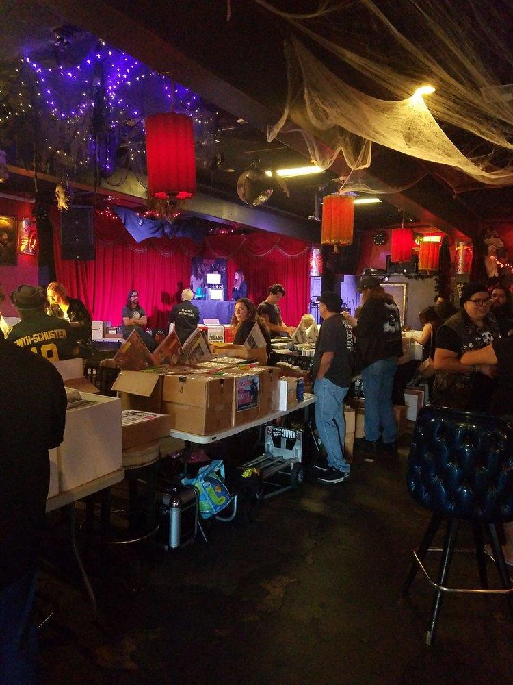 Alex's Bar - 256 Photos & 533 Reviews - Music Venues - 2913