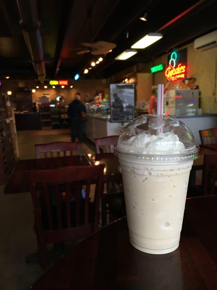 Lake Coffee and Ice Cream: 210 US Hwy 18 W, Clear Lake, IA