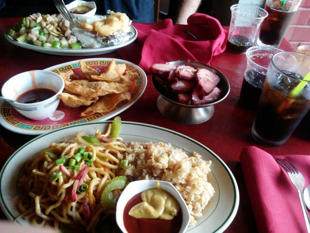 Minnie's Chinese & American Restaurant & Tiki Bar