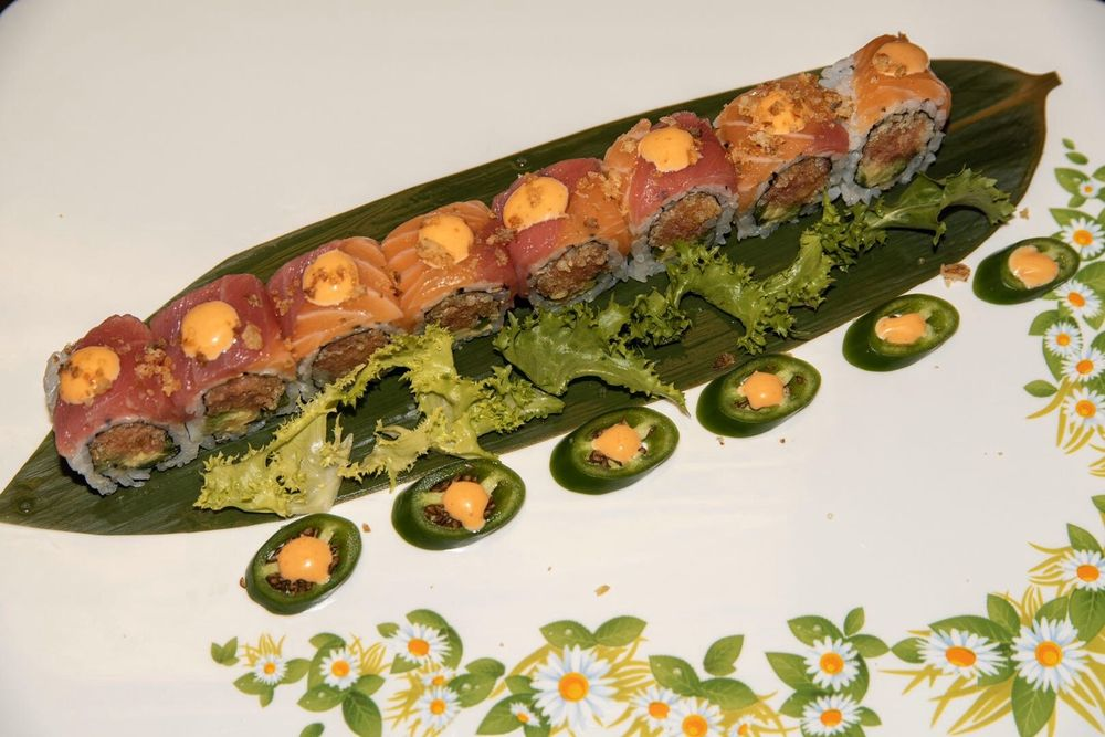 Kintaro Sushi & Hot Pot: 3111 Westgate Mall, Rocky River, OH