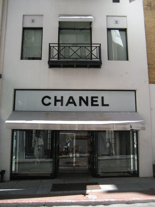 chanel storefront facing maiden lane yelp