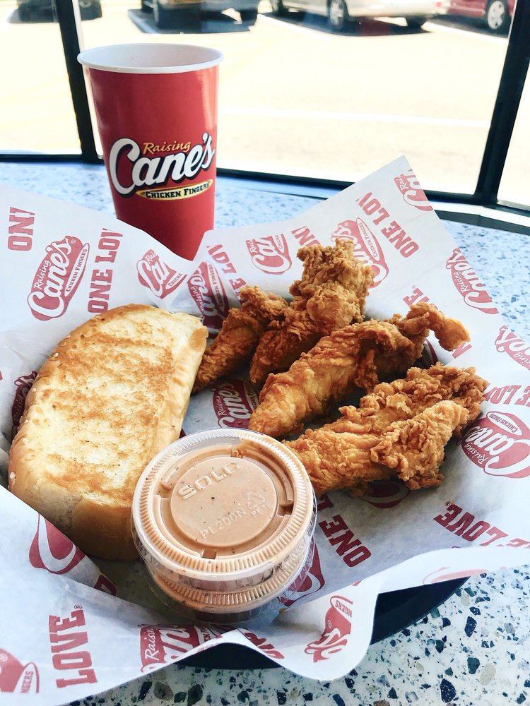 Raising Cane's Chicken Fingers: 7501 150th St W, Apple Valley, MN