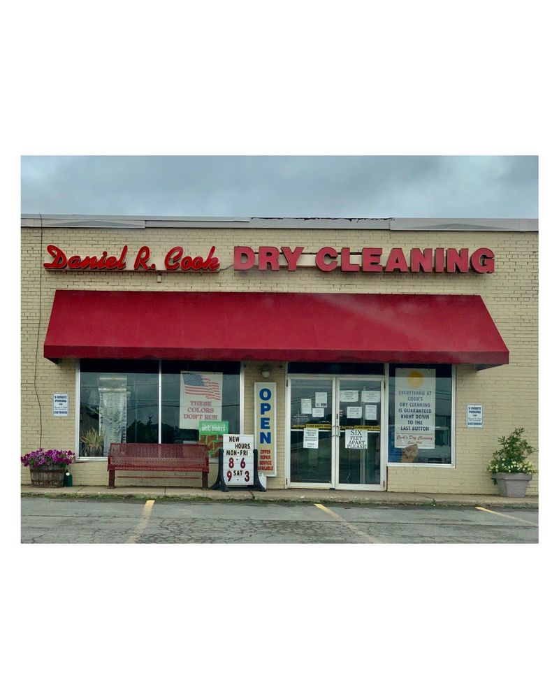 Daniel R Cook Dry Cleaners: 25 New Hartford Shopping Ctr, New Hartford, NY