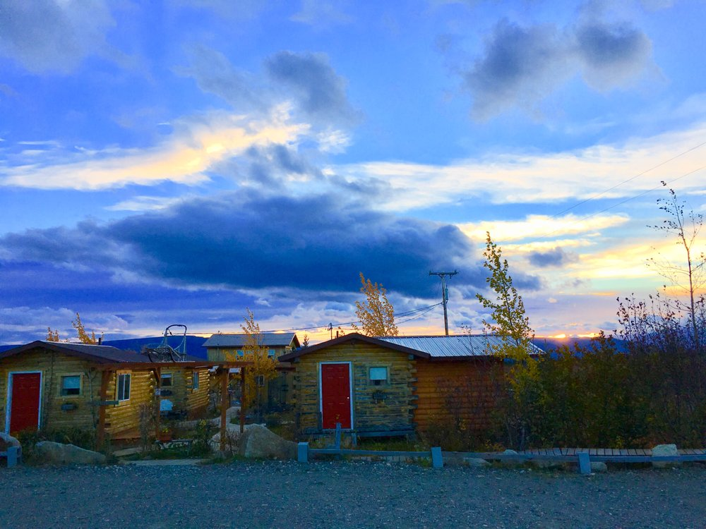 EarthSong Lodge & Denali Dogsled Expeditions: Mile 4 Stampede Rd, Healy, AK