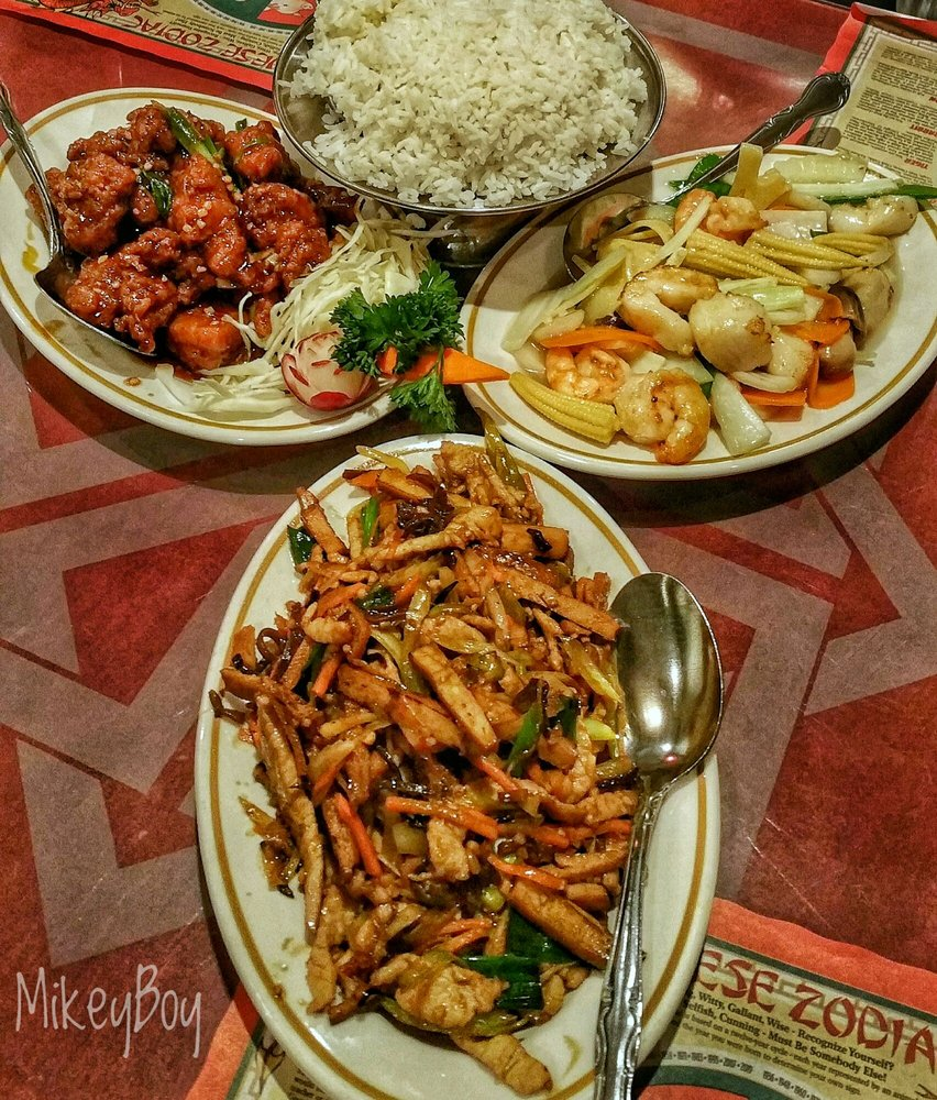 Great dinner. General\'s Chicken... Seafood Delite... Bean curd and ...