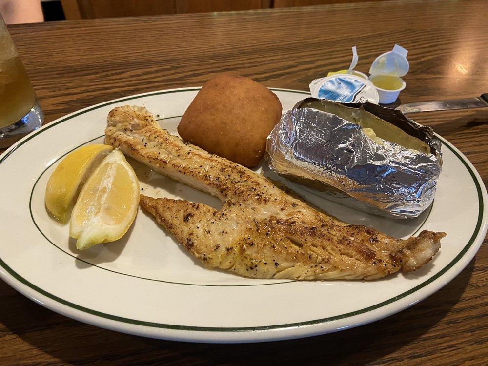 Whitlock Bay Supper Club: 29500 U S 212, Gettysburg, SD