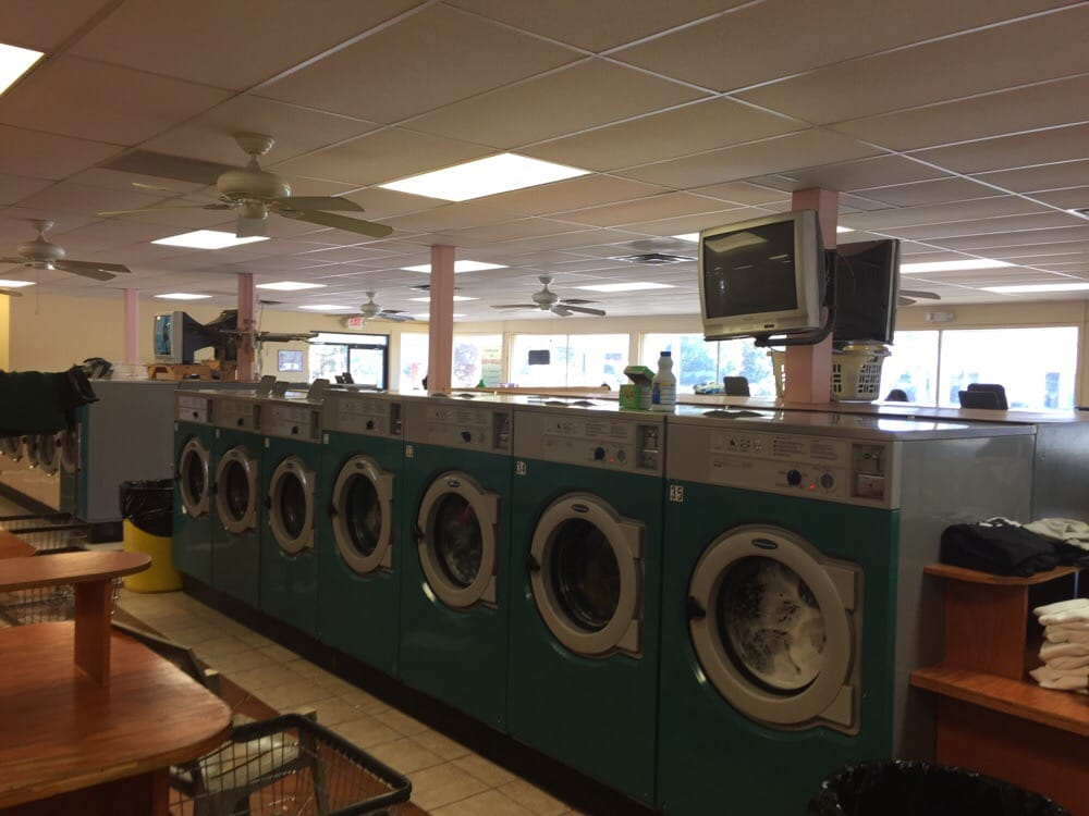 Barclay Coin Laundry: 424 Forest Pkwy, Forest Park, GA