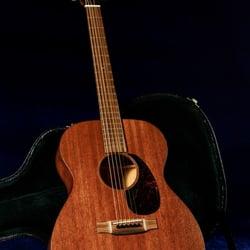 guitare acoustique pigalle