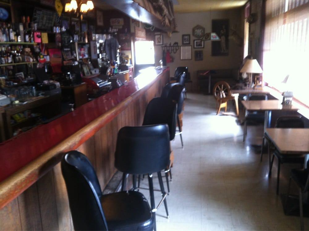 77 Longbranch Saloon: 115 Main St, Chadron, NE
