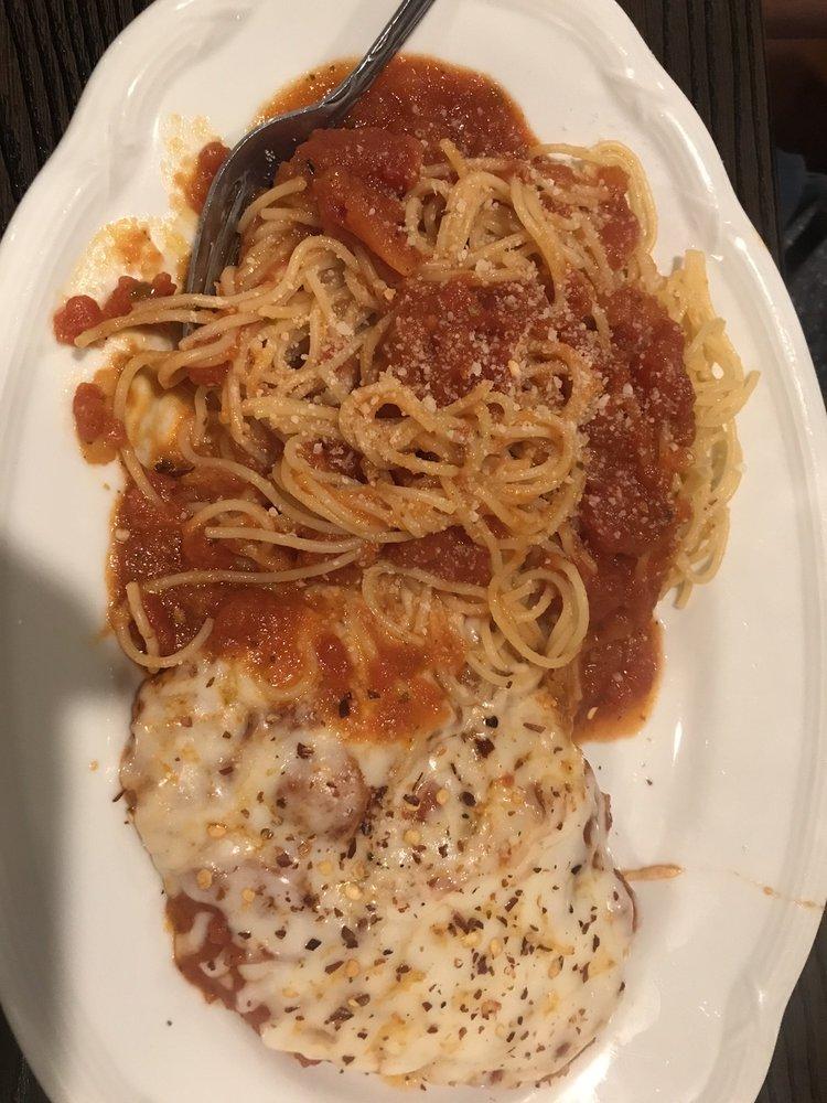 Roma Italian Restaurant: 3 Circle Way, Lake Jackson, TX
