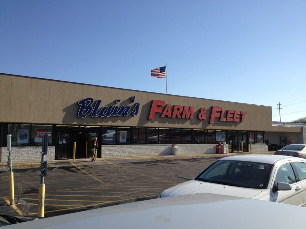 Blain's Farm & Fleet: 1098 South Chicago St, Geneseo, IL