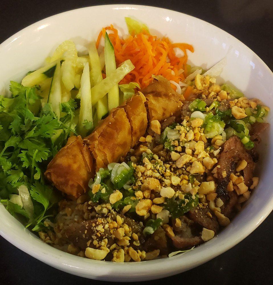 Pho U Vietnamese Cuisine: 4722 Jackson St, Alexandria, LA