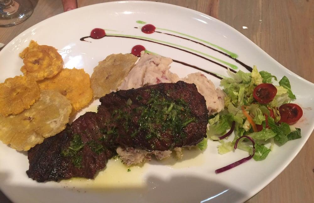Arasibo Steak House: 109 Calle Gonzalo Marin, Arecibo, PR