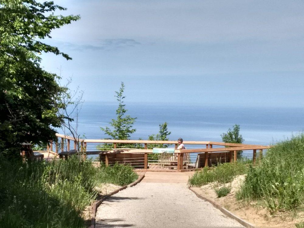Arcadia Dunes Nature Preserve: 17000 6th St, Arcadia, MI
