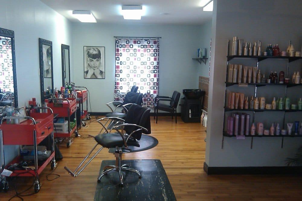 Trends Style Studio: 301 Jefferson Pike, Smyrna, TN